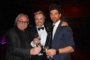 Geburtstagskind Uwe Kröger mit Komponist Sylvester Levay (l.) und Winzer Erich Achs  (Foto: Gaby Hildenbrandt)