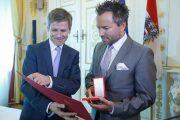 Goldenes Ehrenzeichen für Musical-Star Uwe Kröger – Verleihung im Bundeskanzleramt
